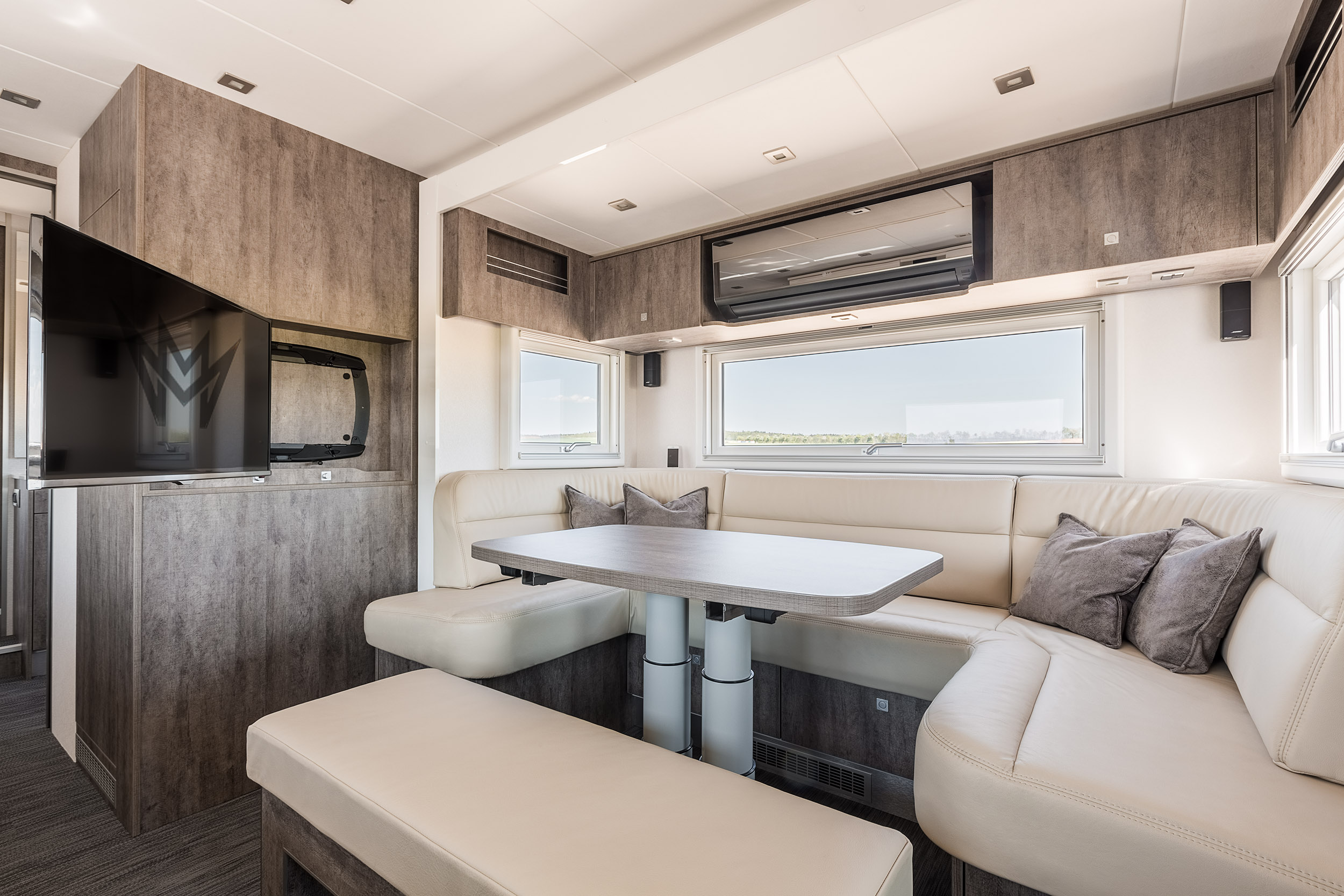 Photography, Interieur, Möbel, Mercedes Actros Wohnmobil, Motorhome