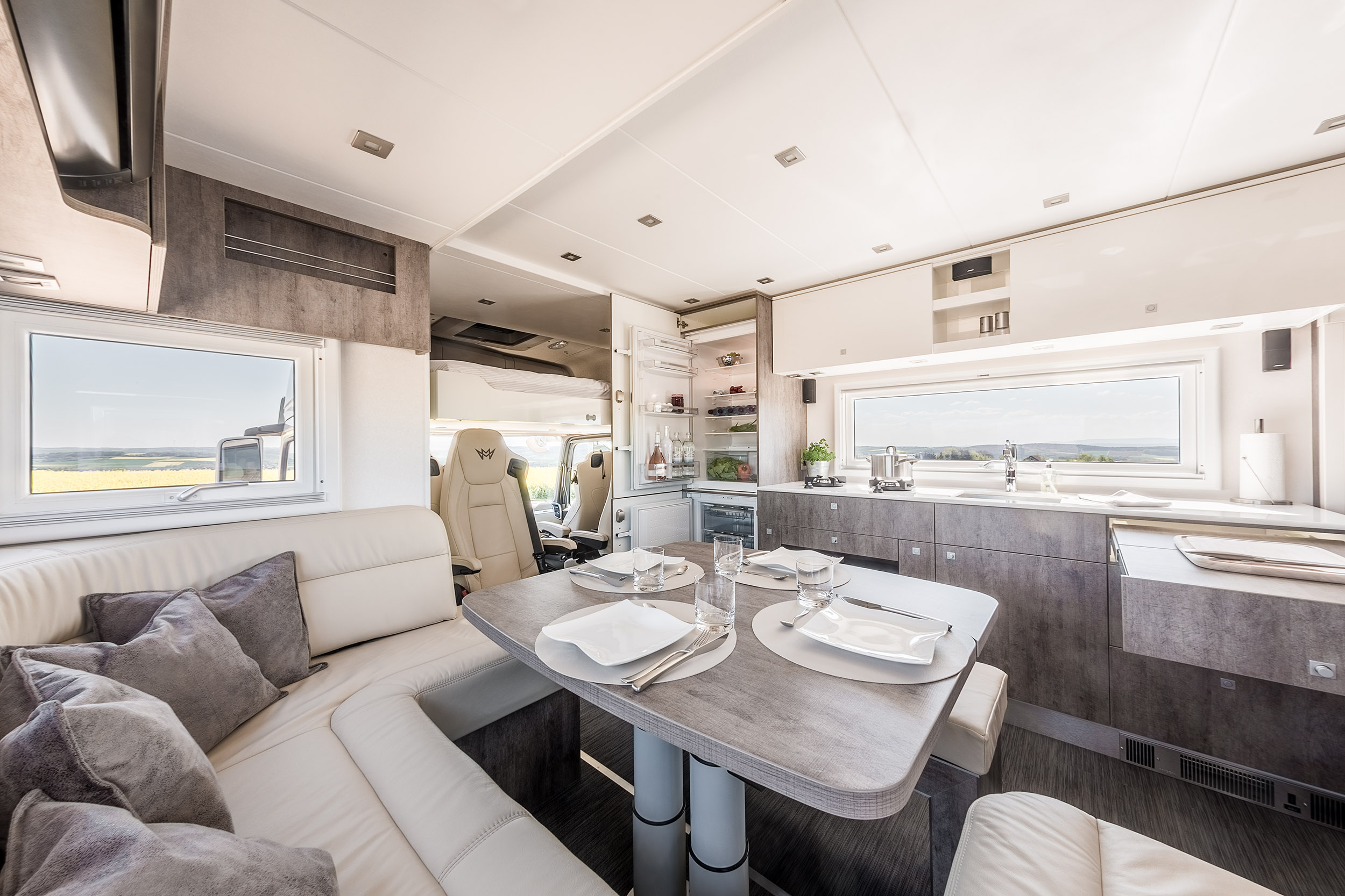 Magellano Fotograf Photography International Luxury Motorhome