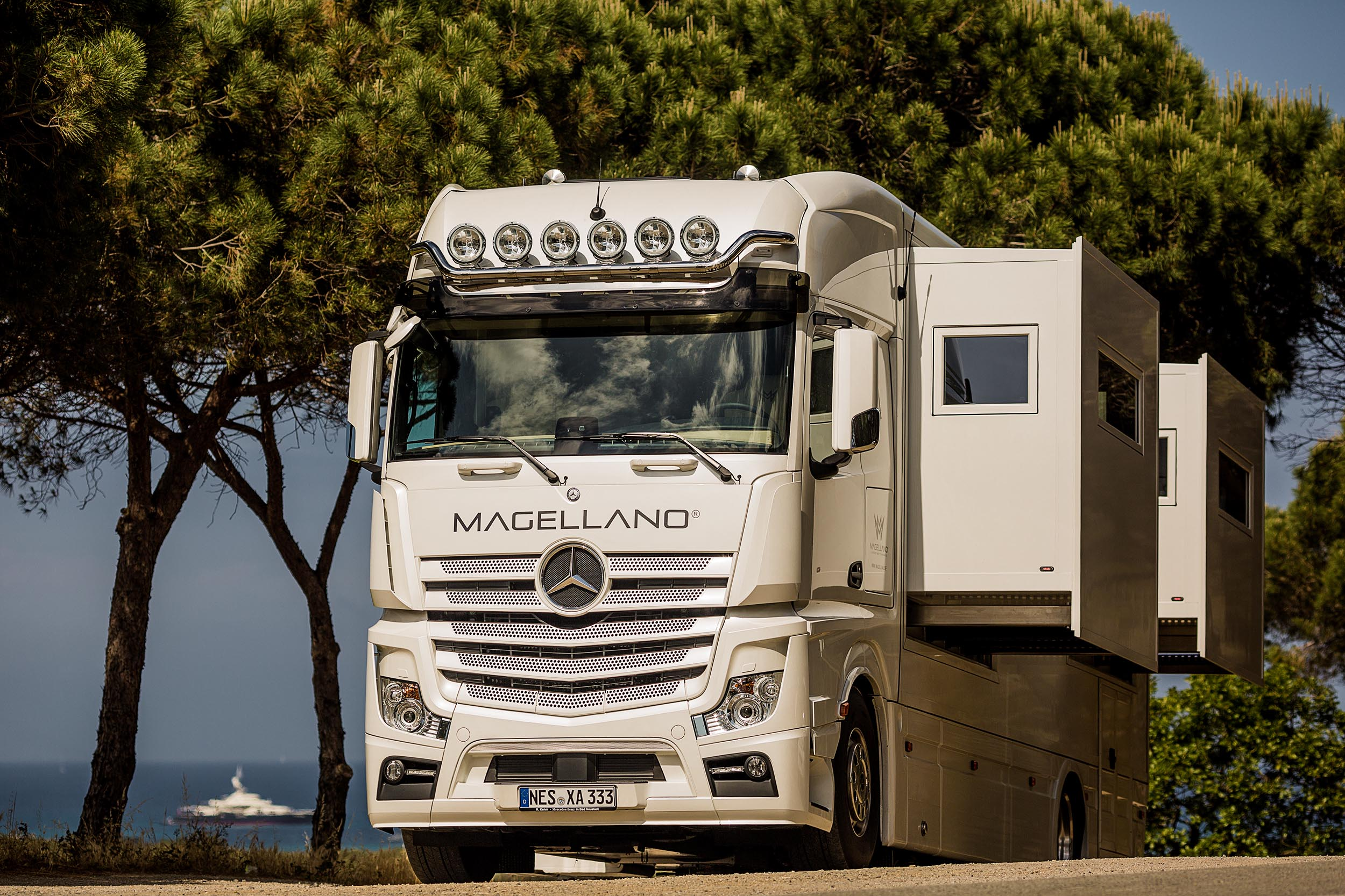 Magellano Luxury Motorhome Saint Tropez Photographer